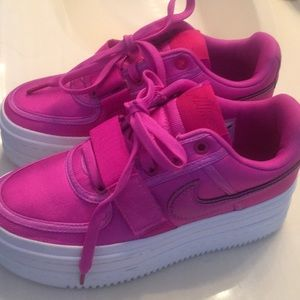 Nike Vandal 2k sneaker hot pink